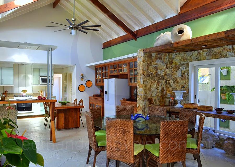 Casa 830 – Mesa de Almoço