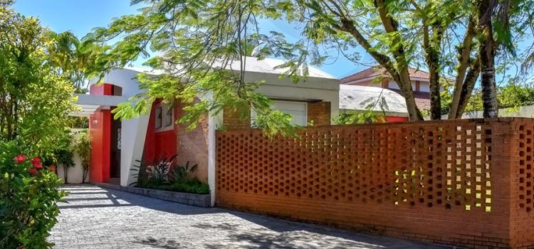 Casa 1050 – Locação e Venda, Jardim Acapulco